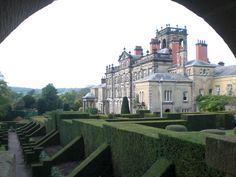 The National Trust's Biddulph Grange Garden is a landscaped Victorian garden, located near Stoke-on-Trent, Staffordshire. Biddulph Grange Gardens, English Manor Houses, Victorian Gardens, Italian Garden, Stoke On Trent, Interior Photo, Country Estate, Castles, Places To Travel