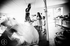 #hochzeit #hochzeitsfotos #hochzeitsfotografie #hochzeitsfotograf #wedding #weddingimages #weddingphotograhpy #weddingphotographer #projectphoto #projectphoto.ch #gettingready #vorbereitungen #hochzeitsvorbereitungen #braut #bride #brautjungfern #bridesmaides #hochzeitskleid #brautkleid #bridaldress #bridalgown #hochzeitinbasel #heirateninbasel #hochzeitsfotografbasel #weddingreportage #weddingjournalism #hochzeitsreportage