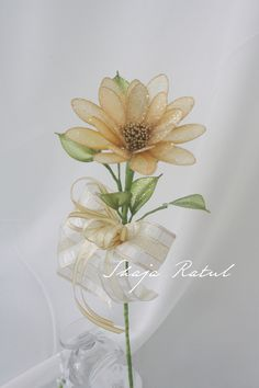 Hand made flower from Qdip Champagne Daisy. ( Bunga dip daisy gold champagne )
