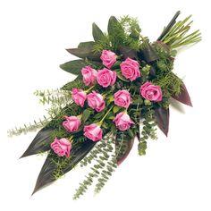 Rouwboeket klassiek rose Funeral Bouquet, Funeral Flowers, Deco Floral, Floral Design, Floral Arrangements, Floral Wreath, Presentation, Painting, Rose