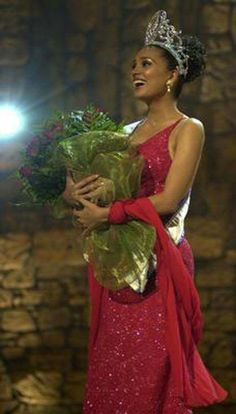 Lara Dutta - India - Miss Universe 2000