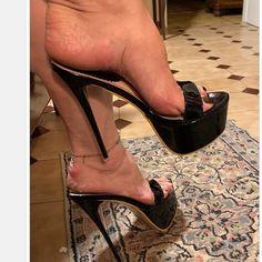 high heels – High Heels Daily Heels, stilettos and women's Shoes Sexy Legs And Heels, Black High Heels, High Heels Stilettos, High Heel Boots, Stiletto Heels, Talons Sexy, Platform Shoes Heels, Pantyhose Heels, Gorgeous Heels