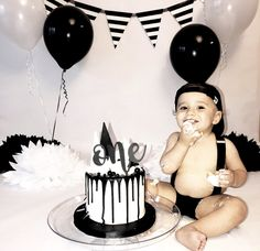 Baby first month pictures hats 48 Ideas for 2019 Boys 1st Birthday Cake, Boys First Birthday Party Ideas, 1st Birthday Photoshoot, 1st Birthday Pictures, First Birthday Party Themes, First Birthday Decorations, 1st Birthday Outfit Boy, 1st Birthdays, George Hats