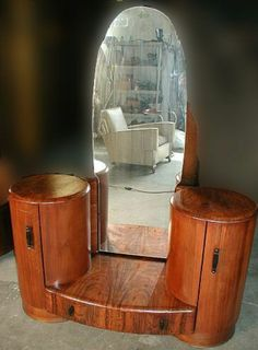 Deco-Dence Art Deco omg i want this ! Art Nouveau Furniture, Antique Furniture, Cool Furniture, Bedroom Furniture, Art Deco Stil, Art Deco Home, Vintage Vanity, Retro Vintage, Antique Vanity