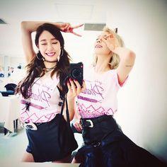 Tiffany and taeyeon Girls generation Sooyoung, Yoona, Kim Hyoyeon, Kpop Girl Groups, Korean Girl Groups, Kpop Girls, Girl Day, My Girl, Red Velvet Photoshoot