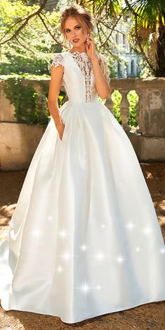 NEW! Exquisite Tulle & Satin Jewel Neckline A-line Wedding Dress With Beaded Lace Appliques & Pockets