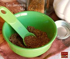 Make your own Homemade Taco Seasoning Mix! Chances are the ingredients are already in your pantry. This homemade version comes together quickly, and it tas Taco Seasoning Mix Recipe, Seasoning Mixes, Mexican Food Recipes, Keto Recipes, Mexican Meals, Low Carb Meats, Chili Soup, Main Meals, Healthy Eating