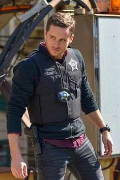 -- 'A Dead Kid, A Notebook, and a Lot of Maybes' Episode 307 -- Pictured: Jesse Lee Soffer as Jay Halstead -- Chicago Fire, Chicago Police, Nbc Chicago Pd, Chicago Shows, Chicago Med, Chicago Pd Halstead, Jay Halstead, Elias Koteas, Jason Beghe