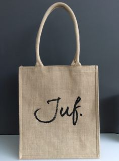 JUF. Ecotas Krijt met bodem (Dubbelzijdig) Diy Presents, Flocking, Party Gifts, Canvas Tote Bags, Silhouette Cameo, Teacher Gifts, Best Gifts, Arts And Crafts, Reusable Tote Bags