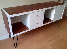Cabinets & Sideboards Published on July 8th, 2015 | by kafou Materials: KALLAX Shelving unit KALLAX Insert with door KALLAX Insert with 2 drawers I had an upright Kallax that I didn't know where ...