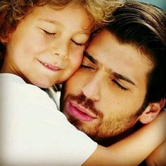 Turkish Men, Turkish Actors, Yes I Can, How To Look Handsome, Love Stars, Movie Characters, Full Moon, Favorite Tv Shows, Baby Love