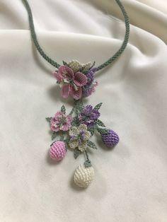 Crochet Art, Crochet Necklace, Beads, Beautiful, Jewelry, Fashion, Crochet Flowers, Craft, Stuff Stuff