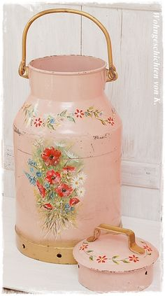 Vintage Milchkanne im Shabby-Styl http://de.dawanda.com/product/51460895-Alte-Milchkanne-Shabby-Chic