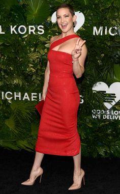 1e0d662c7c Kate Hudson en une robe de soirée rouge asymétrique Femme Sexy, Robe De  Soirée,