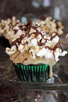 Brown Butter Chocolate Popcorn Cupcakes #cupcakerecipes