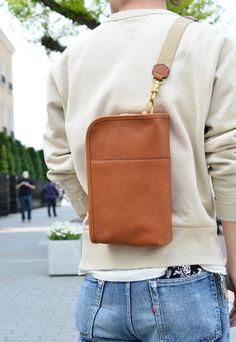 Best Leather Wallets For Women 2019 Mens Crossbody Bag, Leather Clutch Bags, Leather Handbags, Leather Bags Handmade, Handmade Bags, Herren Style, Hip Bag, Casual Bags, Leather Design