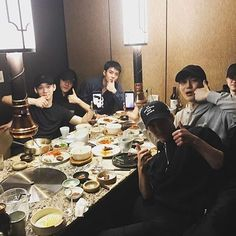 OH SEHUN THIS IS ONE OF THE REASON WHY I LOVE YOU SO MUCH THANK YOU FOR SHARING THIS (let see my penguin at the back he's using a Harry Potter's spec) & wait is that Chanyeol on Jongdae's phone? lol I can't see it clearly anw i miss my JongIn Yixing & Chanyeol ( 'my' (?) I think it is the most selfish line for all of us and it must be 'our' ) lol.