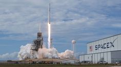Welcome to Gabriel Atanbiyi Blog: After two delays, SpaceX launches broadband satell...