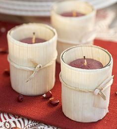 Easy Thanksgiving Crafts to Decorate Your Home corn husks with raffia or natural ribbon.. so cute