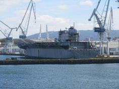 El Portaaviones Príncipe de Asturias (R-11) espera en el muelle número 7 de Ferrol a ser trasladado a Turquía para su desguace.