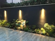 We share photos of the transformation of a small patio: - Beleuchtung Outdoor Garden Lighting, Fence Lighting, Landscape Lighting, Outdoor Gardens, Lighting Ideas, Outdoor Walls, Side Yard Landscaping, Backyard Patio Designs, Backyard Fences