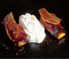 418 |   pimientos del piquillo con plátano y espuma de leche (El Bulli, 1997, tapa)