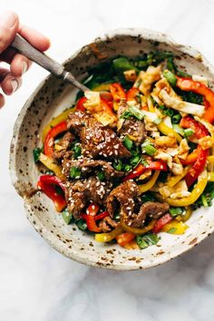 It's the first Monday of the NEW YEAR, and errybody in the club gettin' healthy! Which is why today we are partying up these Korean BBQ Steak Bowls. This veggie-loaded mountain features thinly sliced