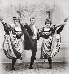 French Cancan - French Cancan dancers, ca 1895. Photographer unknown. Geplaatst door Servatius