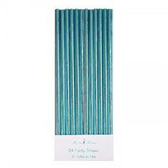 Meri Meri's stylish aqua party straws add an unexpected and magical touch to any celebration. Each paper straw is coated with shiny blue foil. Pack contains 24 party straws. Blue Party, Gold Party, Festa Jurassic Park, Aqua Decor, Laminate Colours, Foil Paper, Under The Sea Party, Tropical Party, Party Cups