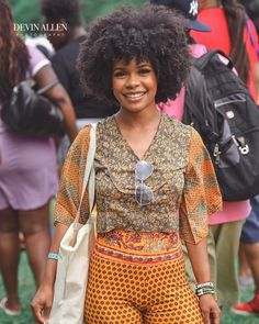 By @devinallenphotography || Curl Fest 2018 || Afro Hair. Kinky hair. Kinky curly hair. Smile. Street photography. Curlfest 2018. Bohemian Hairstyles, Afro Hairstyles, Hairstyles With Bangs, Kinky Curly Hair, Curly Hair Styles, Natural Hair Styles, Natural Hair Bangs, Boliage Hair, Curl Formers