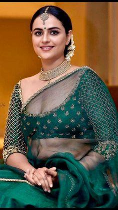 🌷💗 Beautiful World💗🌷 ( Beautiful Girl Indian, Most Beautiful Indian Actress, Beautiful Girl Image, Beautiful Saree, Beautiful Women, Beautiful Children, Indian Natural Beauty, Indian Beauty Saree, Indian Sarees