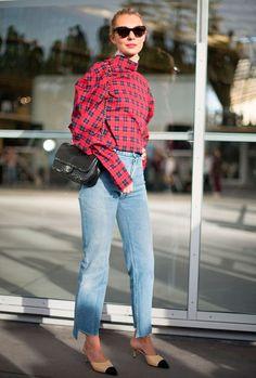 camisa virada pra trás é tendencia entre as fashionistas