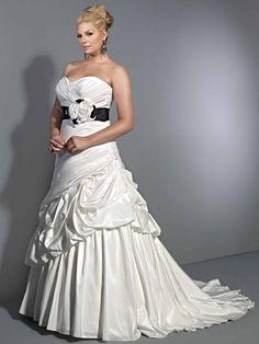 Vestidos de Bodas Tallas Grandes - Para Más Información Ingresa en: http://vestidosdenochecortos.com/vestidos-de-bodas-tallas-grandes/
