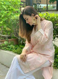 Pakistani Dresses Casual, Pakistani Dress Design, Casual Dresses, Fashion Dresses, Wedding Dresses For Girls, Bridal Dresses, Girls Dresses, Wedding Outfits, Pakistani Girl