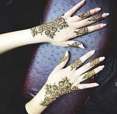 exquisite mehndi design 2
