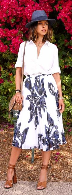 Floral Pleated Maxi Skirt Outfit Idea by Vivaluxury