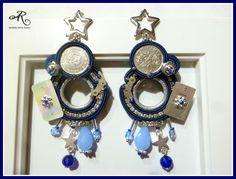 Orecchini soutache con monete, quadranti e meccanismi di orologi, componenti in metallo e cristalli...