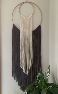 Rope Crafts, Diy Crafts For Gifts, Diy Arts And Crafts, Yarn Crafts, Kids Crafts, Macrame Wall Hanging Diy, Macrame Art, Macrame Design, Macrame Projects