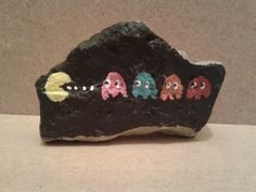 Handpainted rock house doorstop   simple rock painting idea   easy rock painting ideas   how to make painted rocks   painted rocks craft #rockpainting #paintedrock #stoneart #rockart