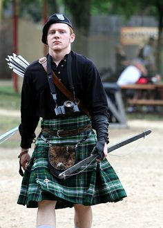 Ok... So... This guy is nearly perfect: he's dressed in a kilt, he's a ginge, AND he's in renaissance kit!