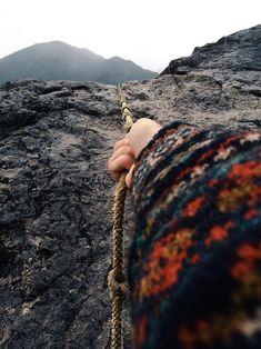 Into the Wild Into The Wild, Adventure Awaits, Adventure Travel, Foto Nature, Le Vent Se Leve, Wanderlust, No Rain, Rock Climbing, Mountain Climbing