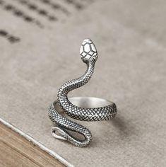 Snake Jewelry, Hand Jewelry, Cute Jewelry, Boho Jewelry, Jewelry Rings, Jewelery, Jewelry Accessories, Gothic Jewelry, Jewelry Sets