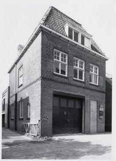 Oude busloods Amersfoortbloei. Spoorstraat 18