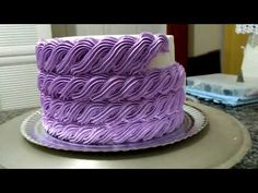 There are several means to place a finishing touch in your own cake decorating job. Employing these things allow you to liven up a plain cake. Cake Decorating For Beginners, Cake Decorating Techniques, Cake Decorating Tutorials, Cookie Decorating, Icing Recipe, Frosting Recipes, Cake Recipes, Cake Icing, Cupcake Cakes