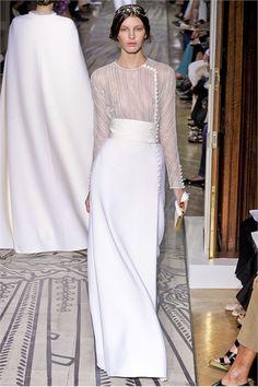 Sfilata Valentino Parigi - Alta Moda Autunno Inverno 2011/2012 - Vogue