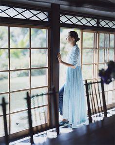 桐島かれん Karen Kirishima 50 Fashion, Womens Fashion, Advanced Style, Story Inspiration, Contemporary Fashion, Casual Looks, Spring Outfits, Beautiful Women, Photoshoot