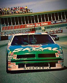 Nascar Race Cars, Full Frontal, Car Drawings, Paint Schemes, Vintage Racing, Old Skool, Car Ins, Classic, Places