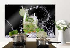 "Crédence en verre ""Splashing Mojito"". Disponible sur www.wall-art.fr en plusieurs tailles."