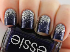 Nail art - Midnight blue nails with silver glitter