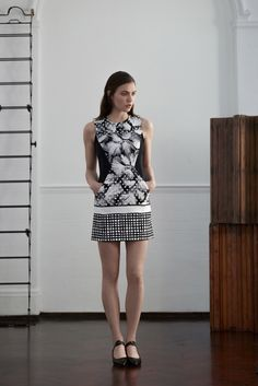Saloni Resort 2016 - Collection - I did not care for it, came across as the 80% off rack.